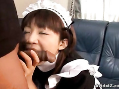 Exciting blowjob session from the Asian housemaid