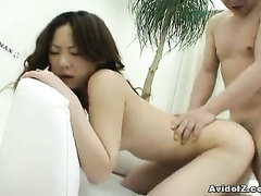 Big sticking rod is packing hot nub from behind
