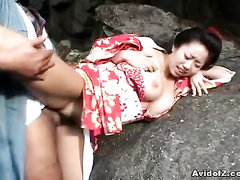 Chick opens her legs for the really rough pounding